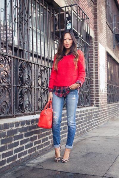 модный лук рубашка свитер джинсы
