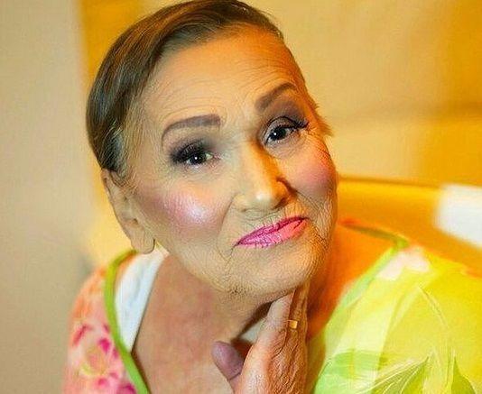 ливия изменила свою бабушку с промощью макияжа хорватия