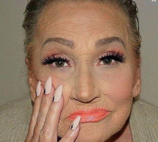 ливия изменила свою бабушку с промощью макияжа хорватия2