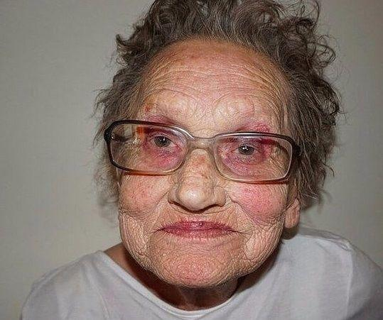 ливия изменила свою бабушку с промощью макияжа